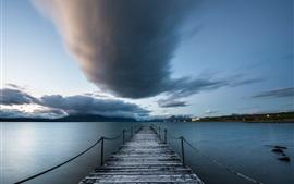 Чили, Пуэрто-Наталес, Патагония, море, пирс, облака