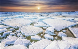 Preview wallpaper Friesland, North of Netherlands, ice, frost, sea, sunset