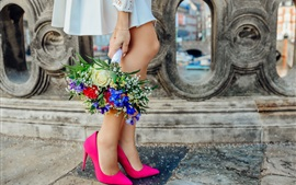 Preview wallpaper Girl legs, pink shoes, bouquet