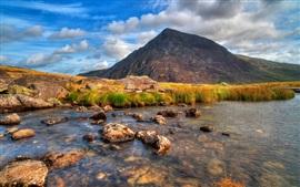Гора, река, скалы, трава, облака, сумерки