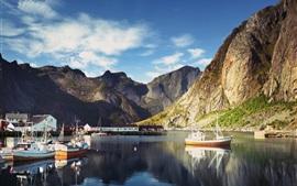 Aperçu fond d'écran Norvège, Lofoten, baie, jetée, bateaux, montagnes