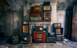 Preview wallpaper Radio and player, old appliances