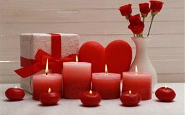 Velas vermelhas, chama, presente, rosas