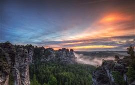 Parque nacional de la Suiza sajona, Bastei, Alemania, montañas, árboles, puesta del sol