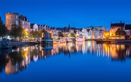 Preview wallpaper Scotland, Edinburgh, pier, houses, river, lights, boats, water reflection