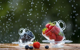 Preview wallpaper Strawberry and blueberry, glass cup, water drops