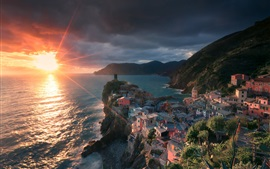 Preview wallpaper Vernazza, Italy, sea, houses, sunset