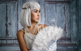 预览壁纸 白头发的女孩,扇子