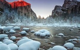 Parque Nacional de Yosemite, Valle, río, nieve, invierno