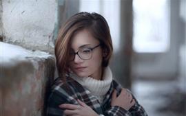 Aperçu fond d'écran Belle jeune fille, lunettes