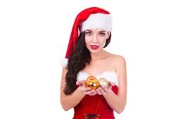Рождественская девушка, шляпа, шары, белый фон