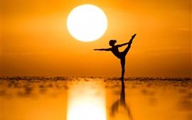 Dançarina, pôr-do-sol, mar