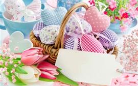 Muchos corazones de amor, cesta, tulipanes, Pascua