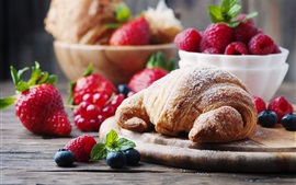 Preview wallpaper Strawberry and croissants
