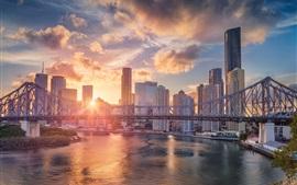 Austrália, QLD, arranha-céus, ponte, rio, pôr do sol, brilho, vista da cidade