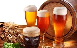 Cerveja, copos de vidro, espuma, barril
