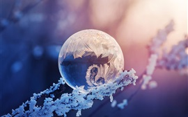 Preview wallpaper Crystal ball, snow, frost, glare