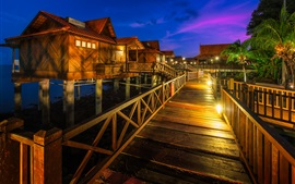 Malasia, Berjaya Langkawi Resort, casas, palmeras, luces, noche