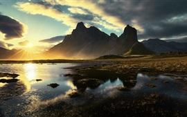 Matin, lumière du soleil, montagnes, éblouissement