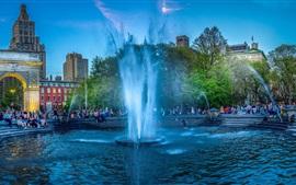 Нью-Йорк, Вашингтон-Сквер-Парк, фонтан, люди, США