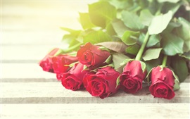Preview wallpaper Red roses, bouquet, glare