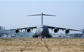Preview wallpaper Boeing C-17 Globemaster III front view