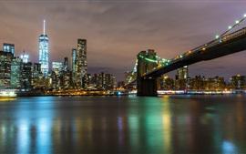 Noite da cidade, rio, ponte, arranha-céus, luzes