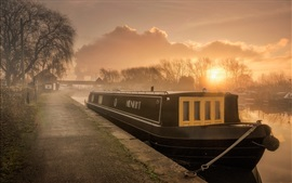 Preview wallpaper England, river, boat, morning, fog