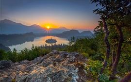 Julianische Alpen, Slowenien, See Bled, Bäume, Berge, Sonnenaufgang