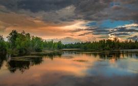 Озеро, лес, облака, закат