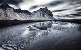 Preview wallpaper Vestrahorn, Iceland, sea, mountains