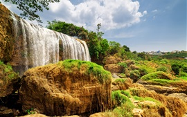 Preview wallpaper Vietnam, beautiful waterfall, bushes