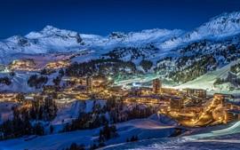 壁紙のプレビュー 冬、夜、雪、街、ライト、山々、風景