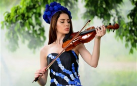 Preview wallpaper Beautiful long hair girl play violin