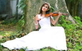 Preview wallpaper Bride play violin, white skirt