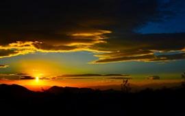 Nubes, montañas, cielo, puesta de sol