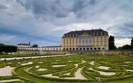 Germany, Schloss Augustusburg, garden, fountain