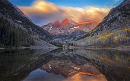 壁紙のプレビュー 湖、木々、山々、夕暮れ