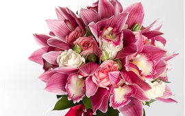 Preview wallpaper Pink orchids and roses, bouquet