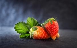 Спелая клубника, фрукты
