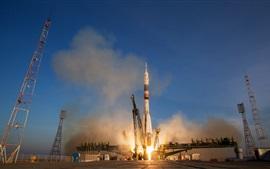 미리보기 배경 화면 소유즈 TMA-19M 로켓 우주 비행 시작