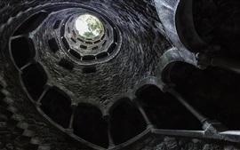Torre, interior, desde la vista inferior, escaleras