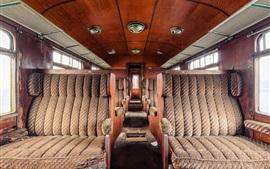 Trem abandonado, decadência, assentos