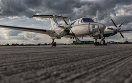 Preview wallpaper Beechcraft C-12U Huron combat aircraft