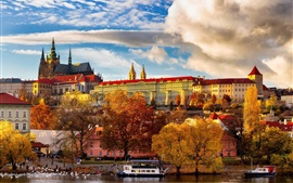 Чехия, Прага, деревья, река, лодки, здания, осень