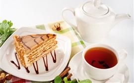 One piece cake, tea