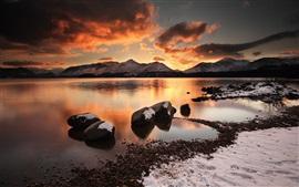 Море, камни, снег, горы, закат