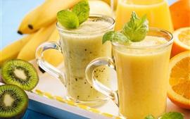 Aperçu fond d'écran Deux tasses de jus, d'oranges, de kiwi