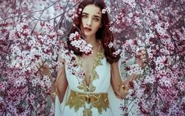 Menina bonita, flores de cerejeira, árvore, primavera