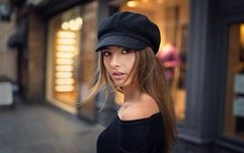 Черная одежда девушка, шляпа, улица, боке